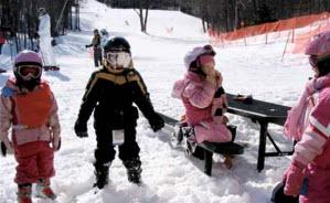 Barn som åker skidor