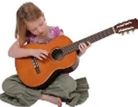 Barn med gitarr